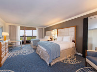 2 Queen Beds in the Gulf View Guest Room